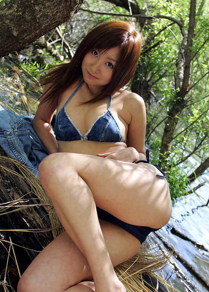 aya kiguchi sexy bikini pics