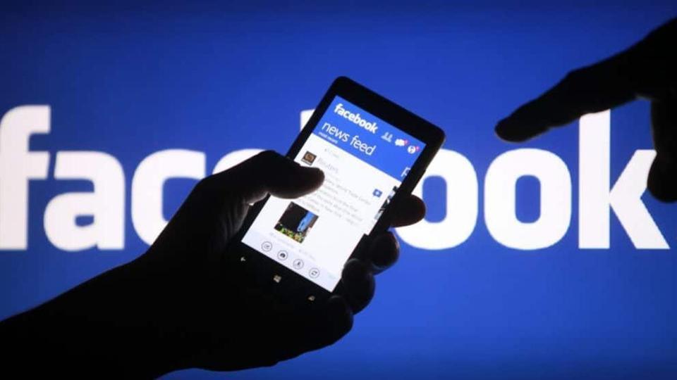 انسحاب كبار مسؤولي فيسبوك بعد أكبر عطل تقني في تاريخها