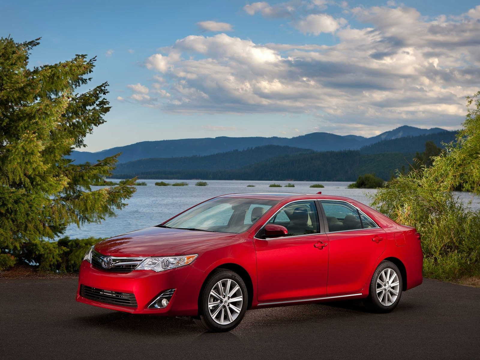 2012 Toyota Camry Car Accident Lawyers Info