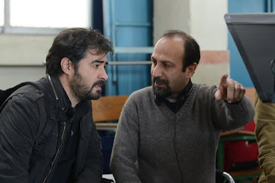 Shahab Hosseini and Asghar Farhadi on the set of The Salesman (Forushande) (2)