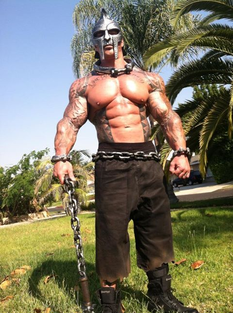 Rich Piana cadena casco espartano