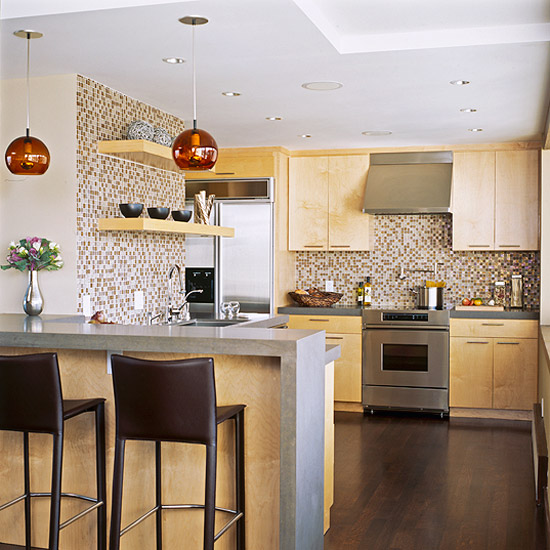 Make A Small Kitchen Look Bigger: New Home Interior Design: Make A Small Kitchen Look Larger