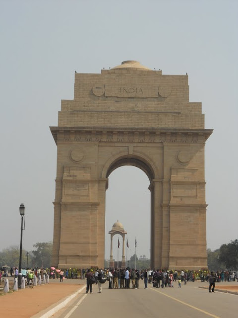 What to do in Delhi India: Visit India Gate