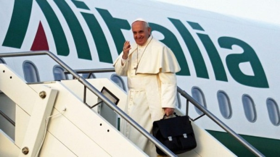 Resultado de imagen para avion papal para viajar a colombia