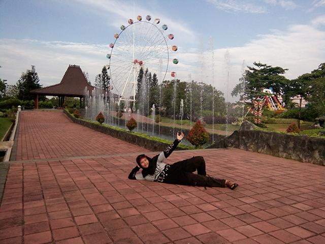 Taman Legenda TMII, Satu Tempat Belasan Nikmat