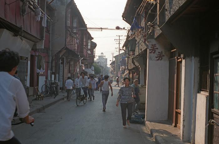 Shanghai, rue Fu You Lu, © L. Gigout, 1990