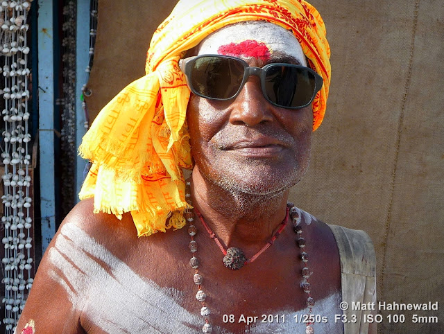 close up, street portrait, headshot, people, India, Tamil Nadu, Rameshwaram, sadhu, religious ascetic, holy man, temple, moksa, yoga, renunciation, Hinduism