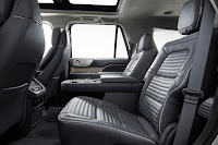 Lincoln Navigator (2018) Interior 2
