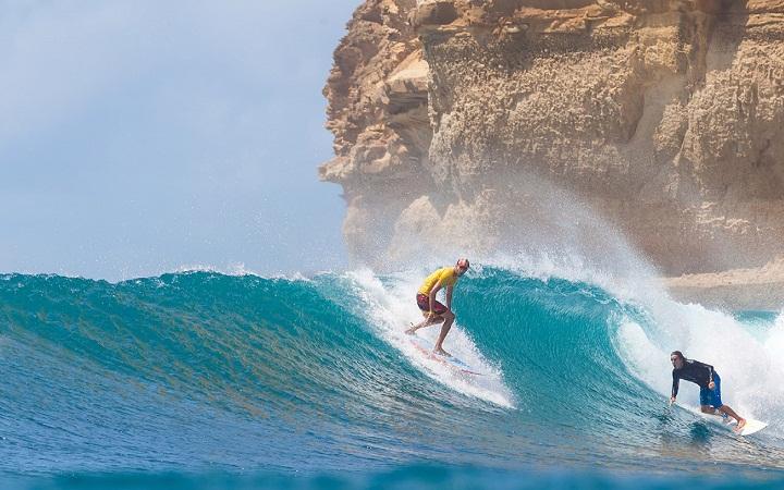 Ombak-di-Pantai-Bangko-Bangko-Lombok