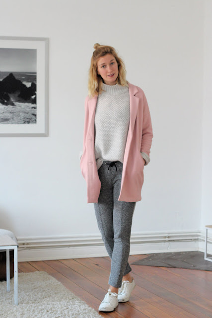 Rollkragenpulli und Karottenhose: Fashionblog.