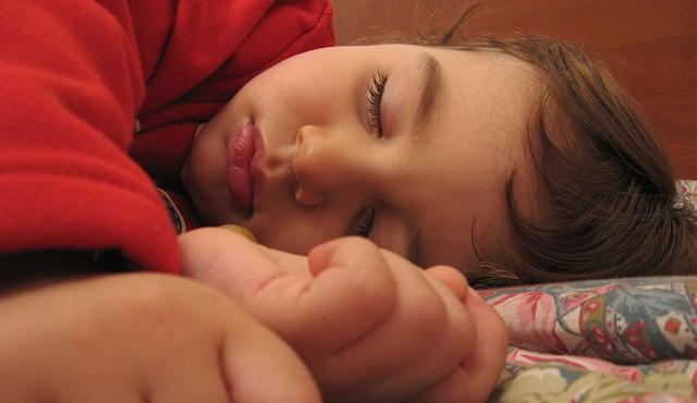 sólo una pequeña minoría de nosotros tiene ocho horas de sueño una noche