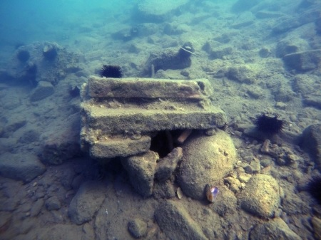 British archaeologists discover an underwater castle and a port in Vlora