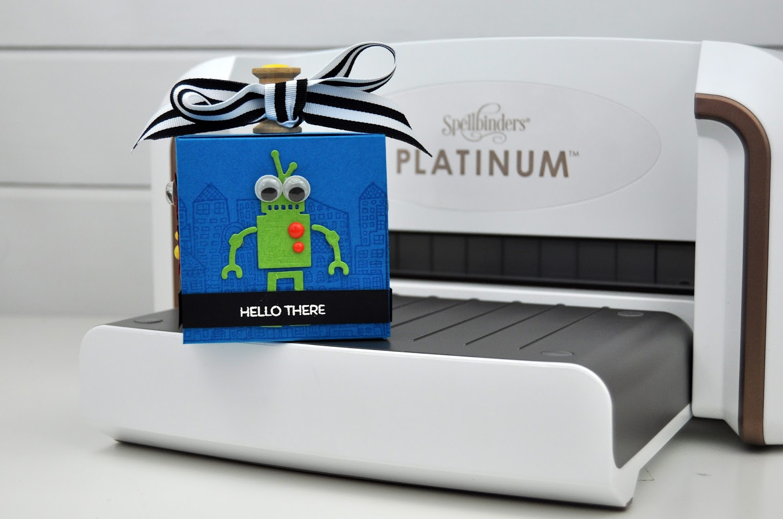 Spellbinders: Robot Gift Box