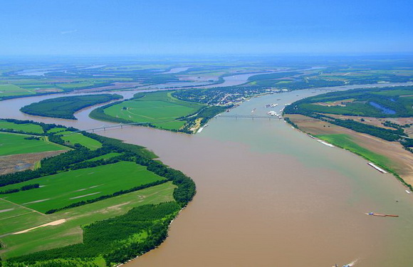 city where missouri and mississippi rivers meet ocean