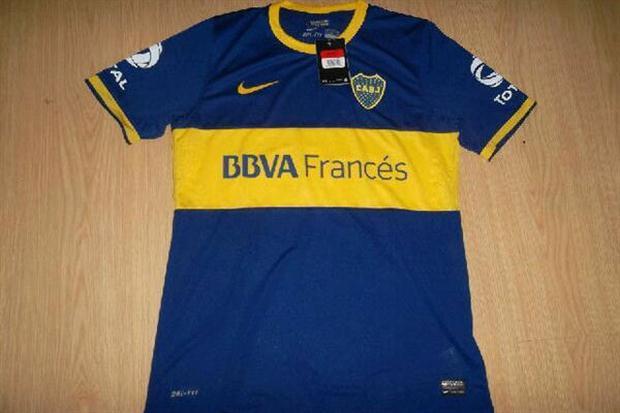 En las últimas horas comenzaron a circular los hipotéticos modelos de  camisetas que usará Boca Juniors durante la temporada 2013 2014. d4db8f91d7606