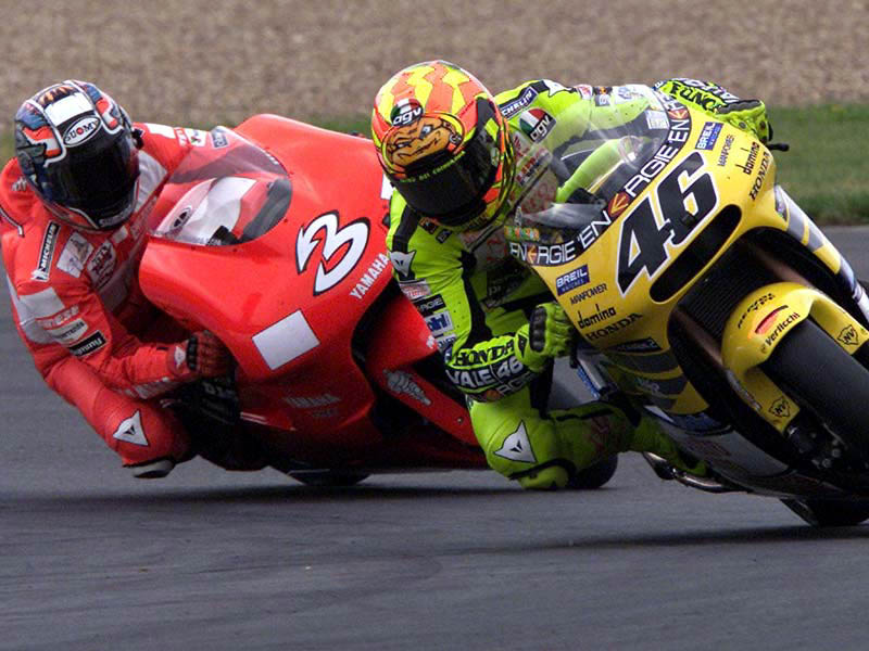 Battle  Rossi vs Biaggi  7ba03a346cb
