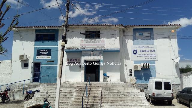 Superlotada, delegacia de Delmiro Gouveia transfere presos para presídio em Maceió