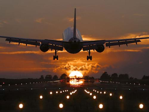 Resultado de imagen de aeropuertos tumblr