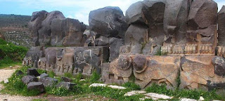Οι Τούρκοι βανδαλίζουν ναούς και μνημεία στην Αφρίν