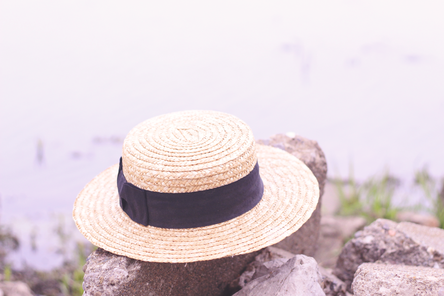 beach, straw hat, boater hat, outfit