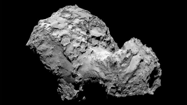 Comet 67P full of surprises: Growing fractures, collapsing cliffs and rolling boulders