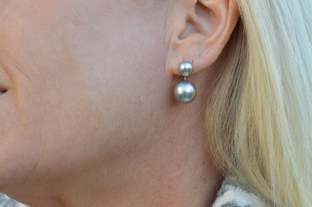 Sydney Fashion Hunter #42 - Glam Grey - Double Pearl Earrings