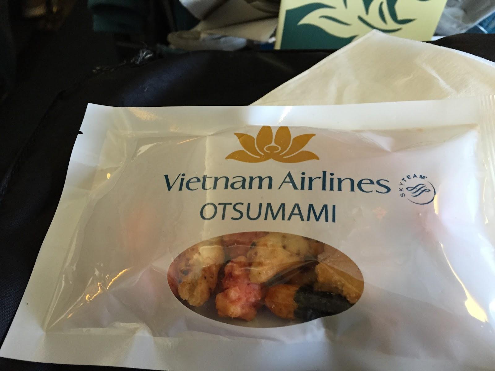 vietnam-airlines-economy-otsumami