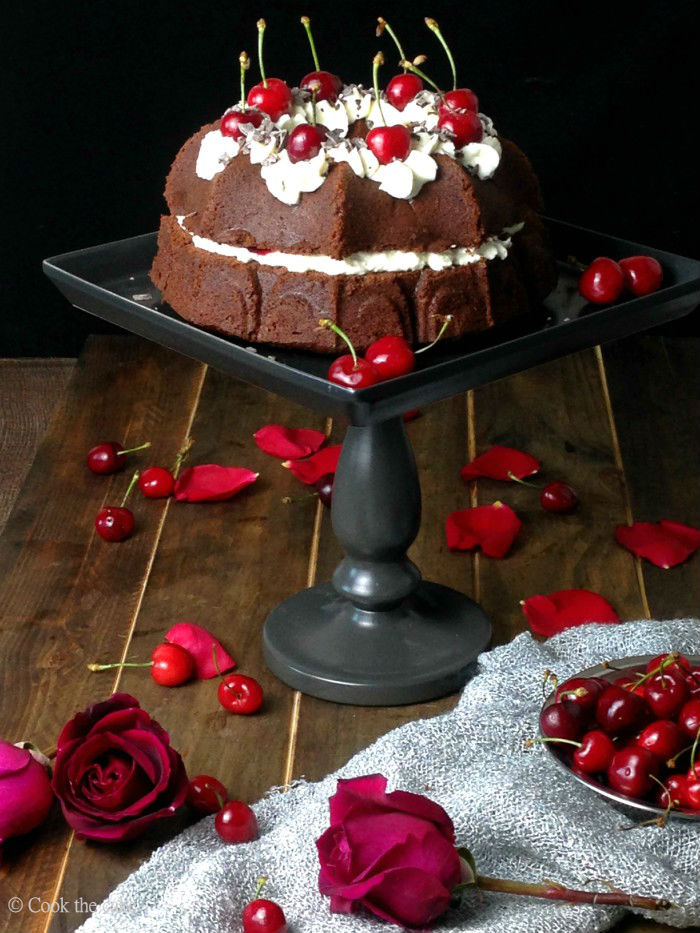 black-forest-bundt-cake, national-bundt-cake-day, bundt-cake, tarta-selva-negra