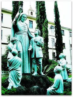 Estátua no Centro Educacional La Salle, Canoas