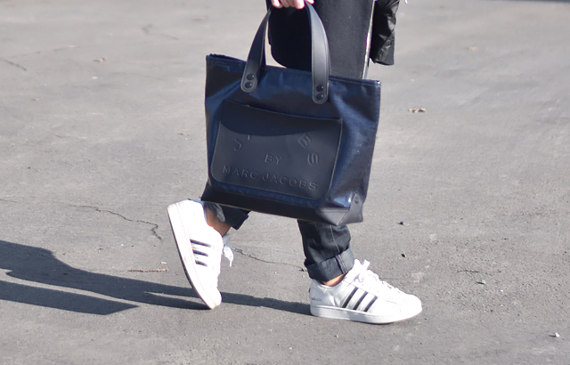 Detail shot, marc by marc jacobs tote bag, adidas superstar, adicolor, w5, sneakers, fashion blogger