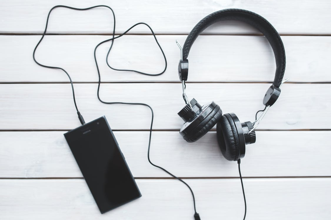 Top 5 Ways to Listen to Loud Music without Hurting Your Ears
