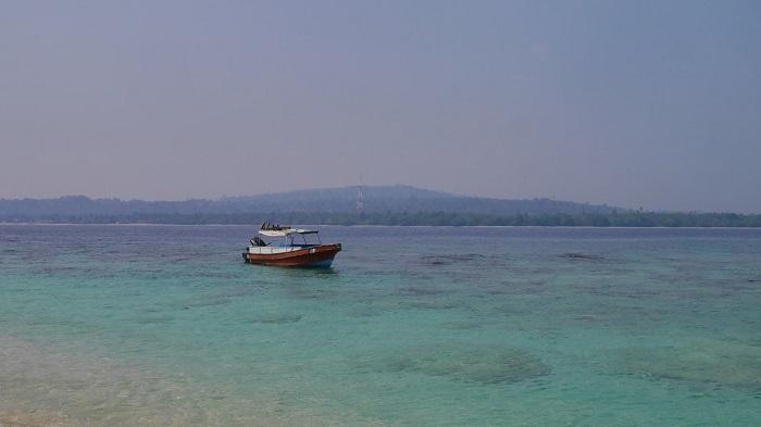 Pulau Isau Ambon