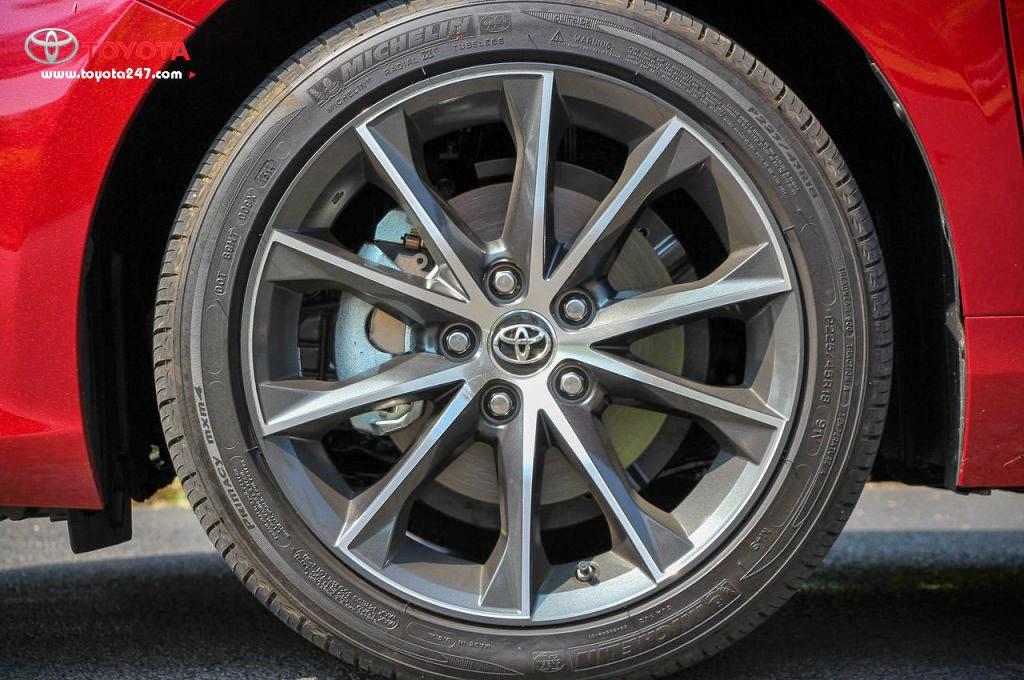 camry 2015 toyota tan cang 4 1024x680 - Giới thiệu Toyota Camry 2015 phiên bản Mỹ : Giữ vững ngôi vị số 1 - Muaxegiatot.vn
