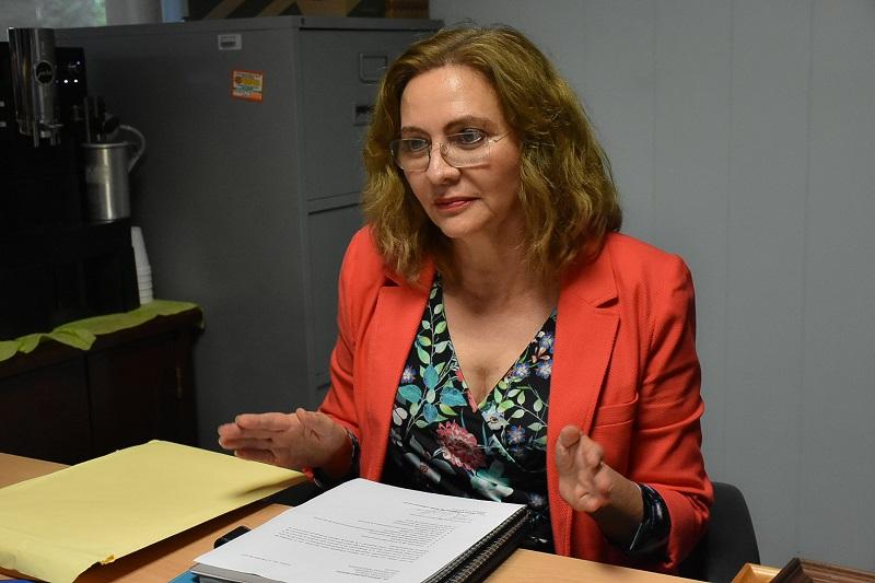 Fiscalía cita a académica que acusó