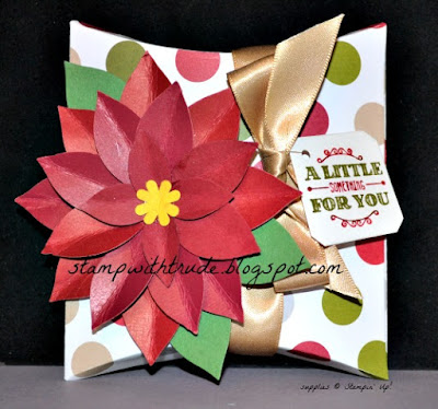 Stamp With Trude, Stampin Up, Square Pillow Box, Christmas, gift box, poinsettia
