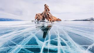 Λίμνη Βαϊκάλη: Η πιο εντυπωσιακή παγωμένη λίμνη