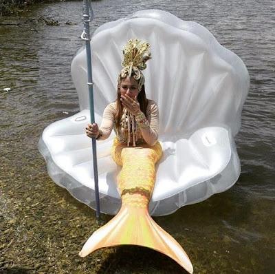 Foto Deswita Maharani sebagai Ratu Duyung di Mermaid in Love 2