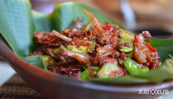 Resep cara membuat sambal petai ikan teri