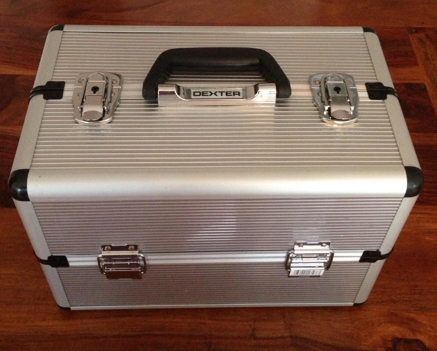 malin la malette de rangement cosmetics by fred. Black Bedroom Furniture Sets. Home Design Ideas