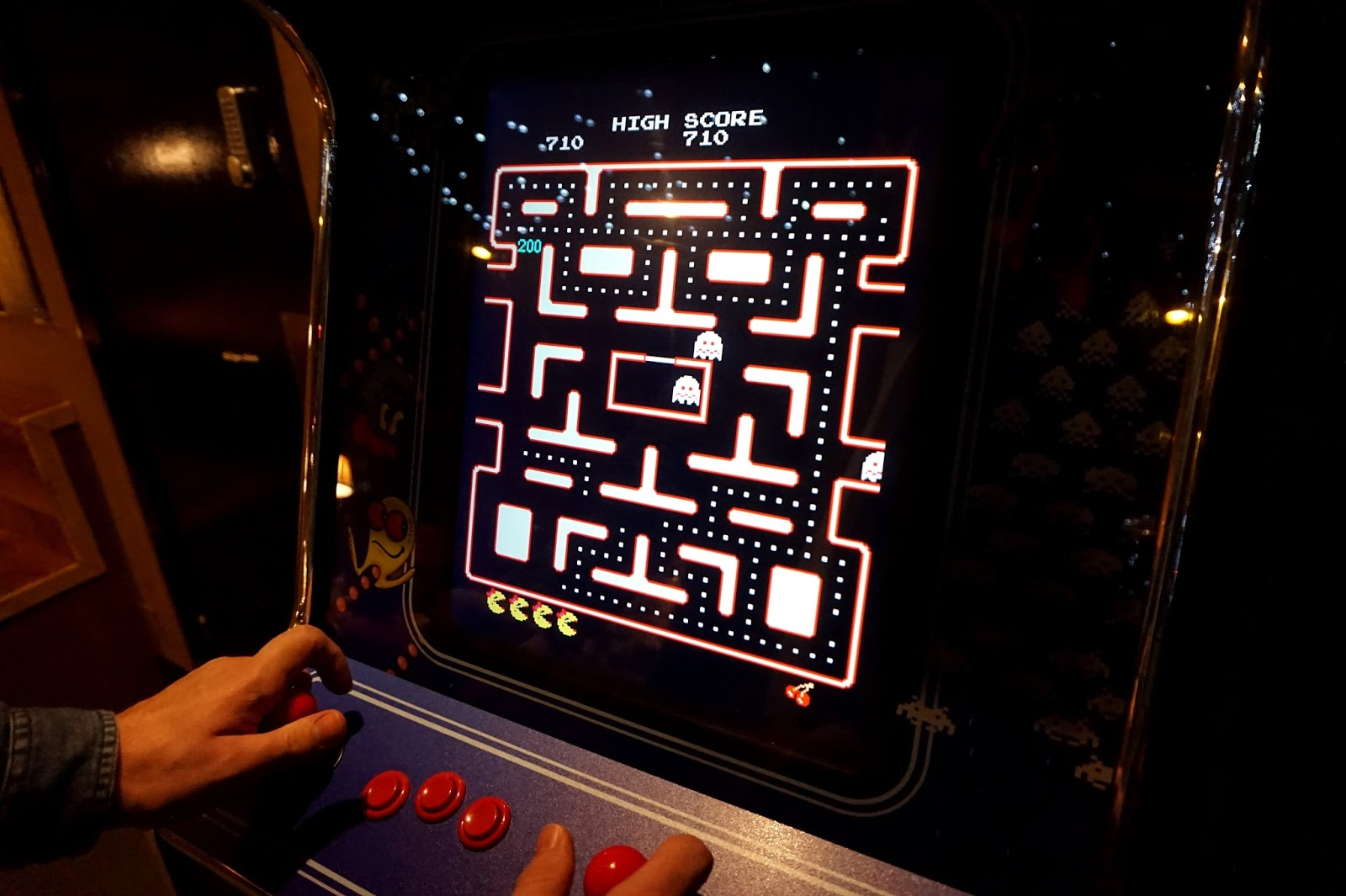 "<img src=""from the corners of the curve blog pacman game.jpg"" alt=""pacman game"" />"