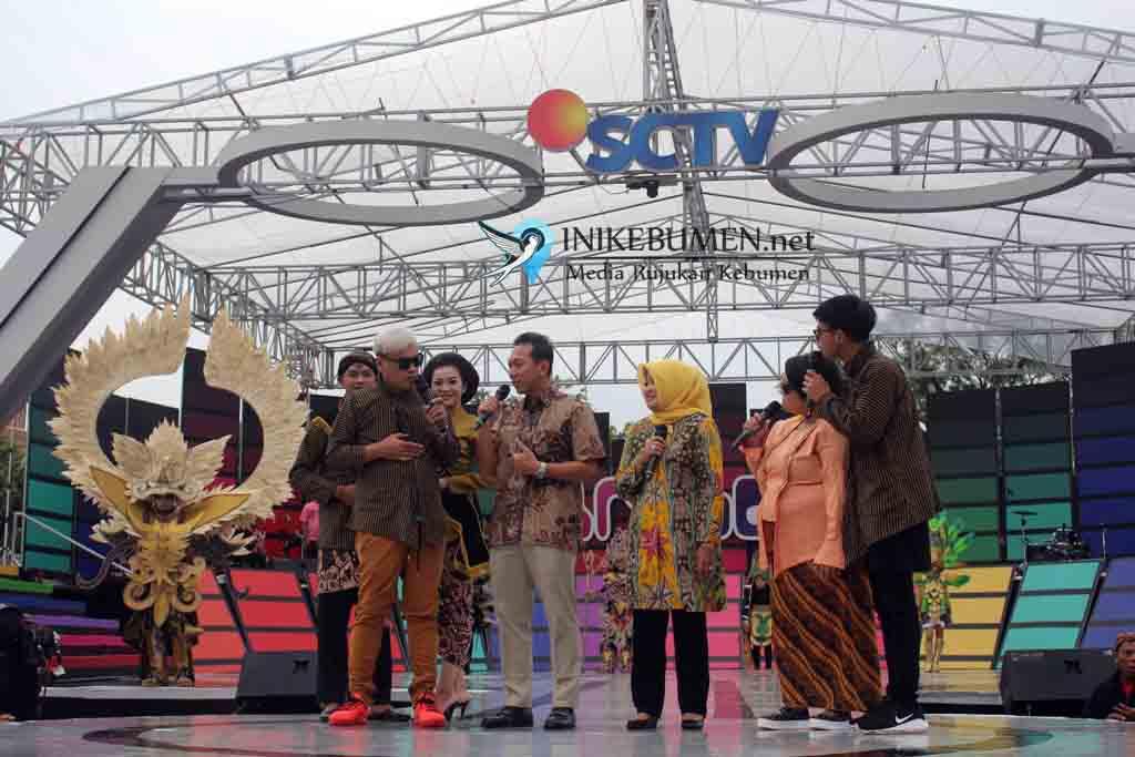 Di Acara Karnaval Inbox SCTV, Bupati Kebumen Pamer Program Cukup dengan KTP Kebumen Warga Bisa Berobat Gratis