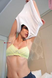 Bruna Abdullah Bikini (6) ~ Celebs.in Exclusive.jpg