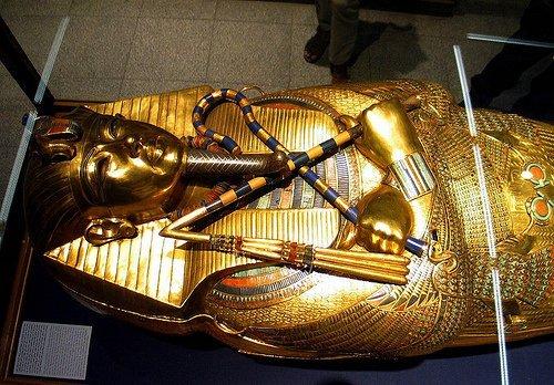 bi-an-loi-nguyen-lang-mo-pharaon-1