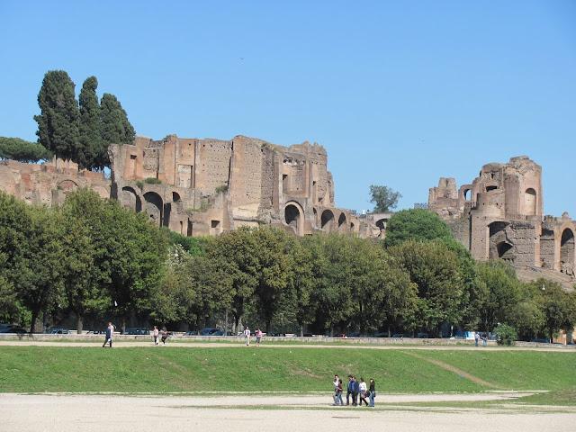 Caminhadas pelo Monte Aventino em Roma