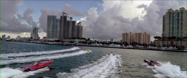The Director's Cut of Miami Vice opens with a powerboat race.