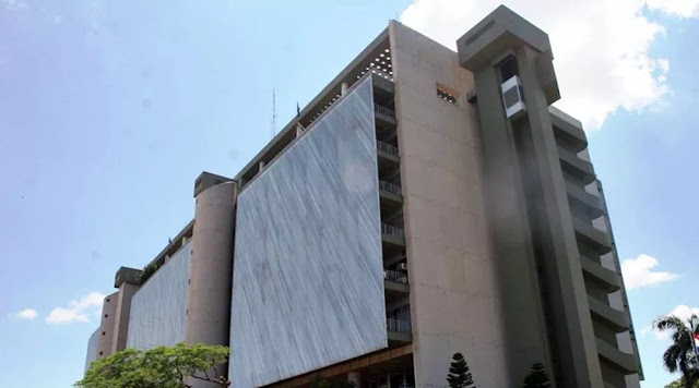 Paraguay ordena a Banco Central imponer medidas financieras contra Venezuela