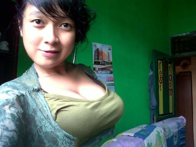 Image Result For Video Tante Lagi Kencing