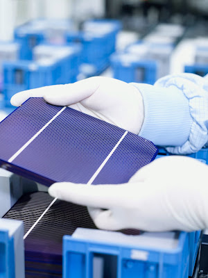 New Low Cost And Effective Dye Sensitized Solar Cells