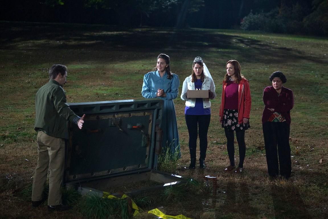 Unbreakable Kimmy Schmidt - Season 1 Episode 12: Kimmy Goes to Court!