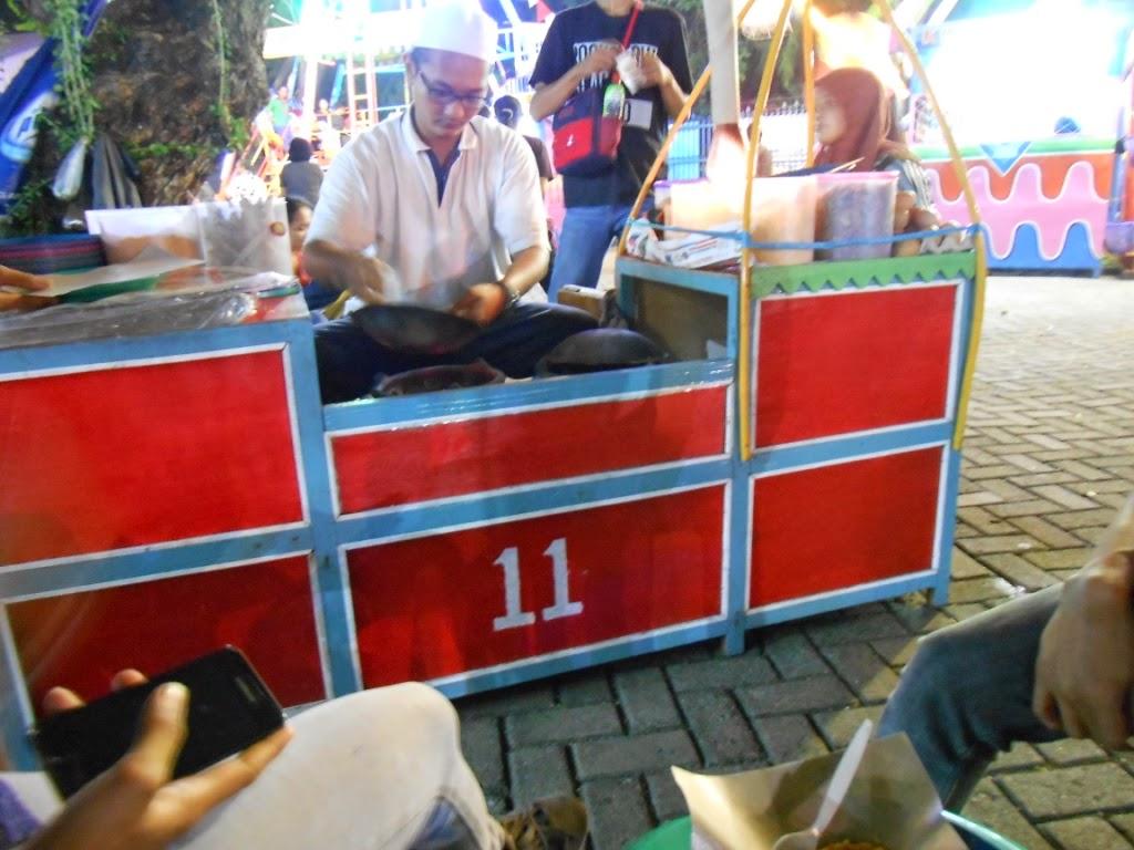 penjual kerak telor enak di PRJ